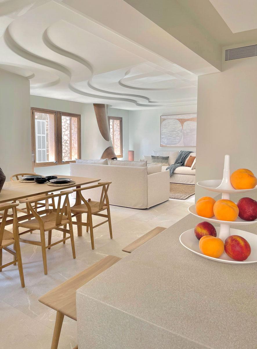 Interiorismo casa modernista en pollensa
