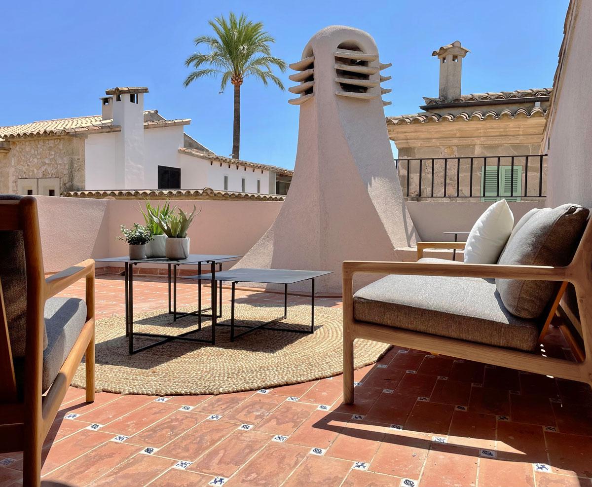 Terraza Interiorismo casa modernista en pollensa